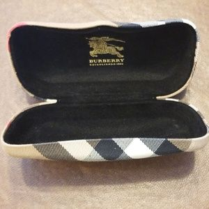 Burberry Clamshell Glasses Case